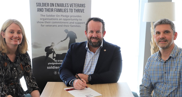 Wodonga TAFE signs 'Soldier On' Pledge