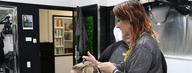 Wodonga TAFE Hairdressing Teacher a finalist in 2021 Australian Hair Industry Awards Creative